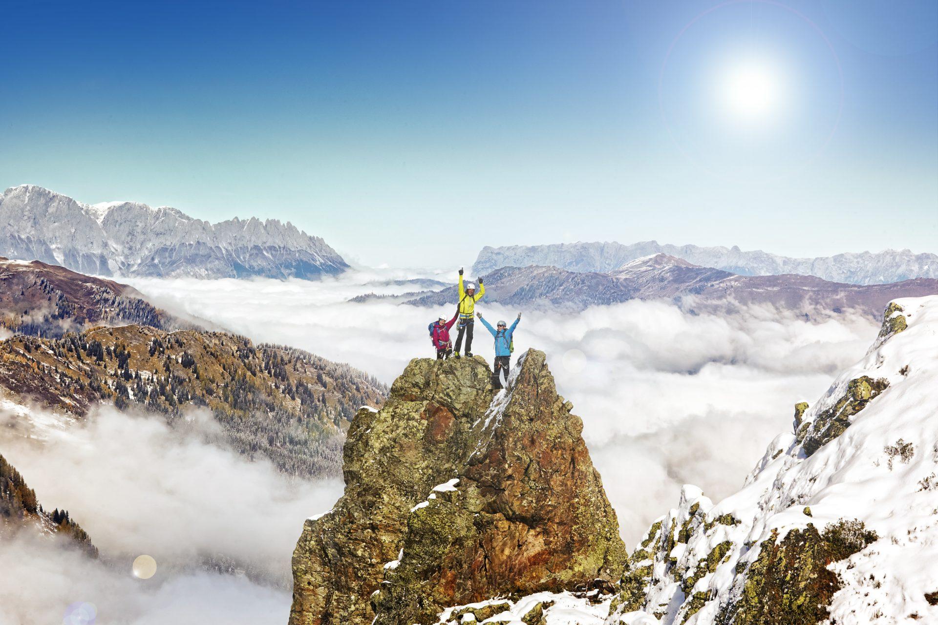3 Kletterer haben den Gipfel erklommen. Fotograf: Jörg Saibou, Köln.
